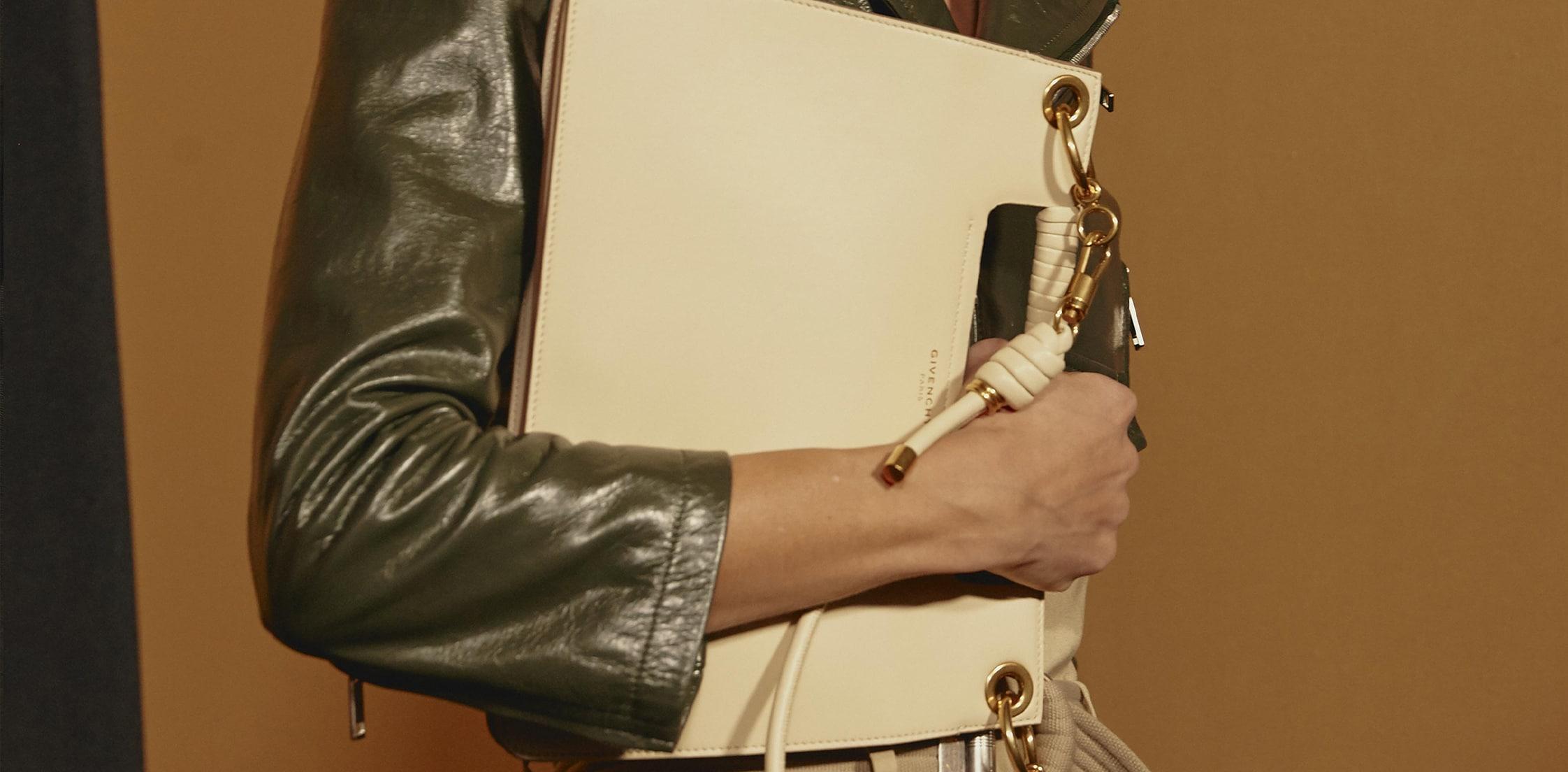 a69de253dfe Site officiel Givenchy.com - Collection Femme