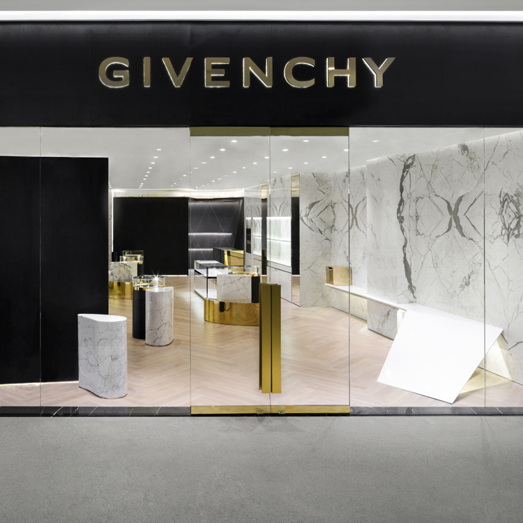 https://www.givenchy.com/on/demandware.static/-/Sites/default/dw2ca7c61f/Store_Specific/Thailand-Bangkok-CentralEmbassy-02.jpg